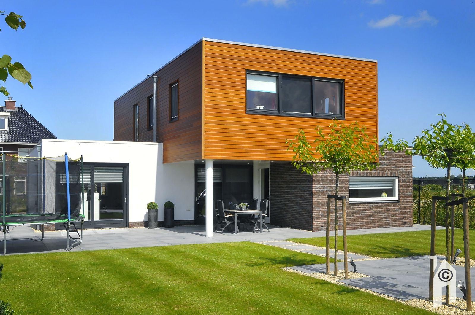 Presolid home b v goede architect of aannemer for Vrijstaand huis laten bouwen