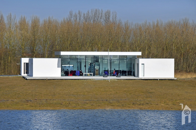 Bram van baalen eigentijdse don quichot woont energieneutraal - Fotos van eigentijds huis ...