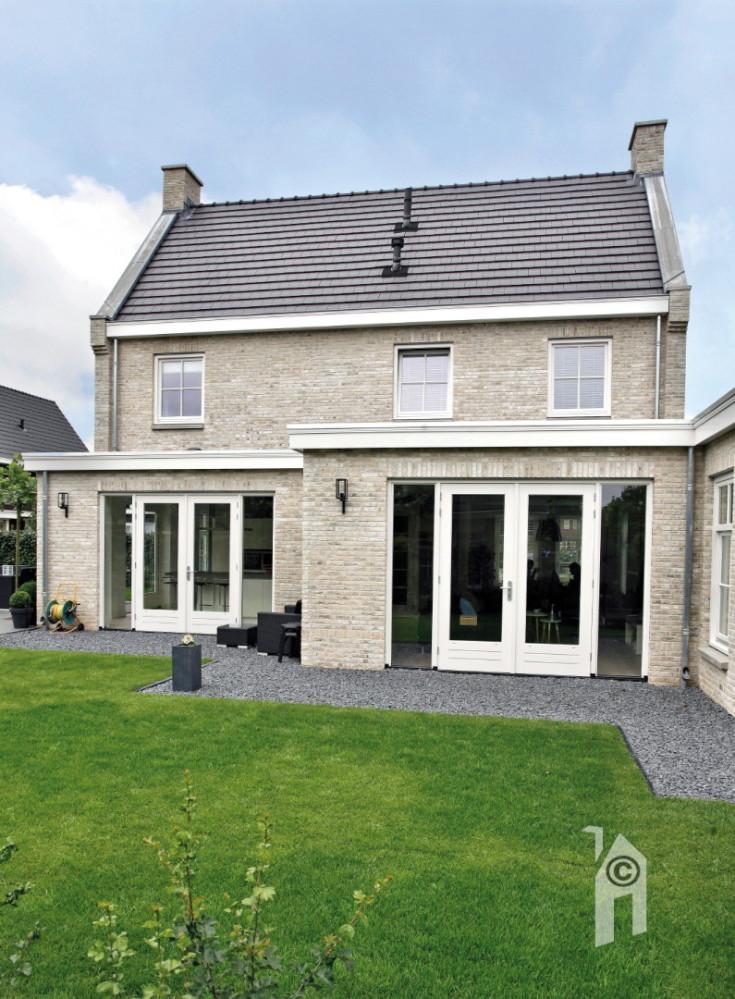 Bouwgroep huiskes modern met een klassieke uitstraling - Ingang huis idee ...